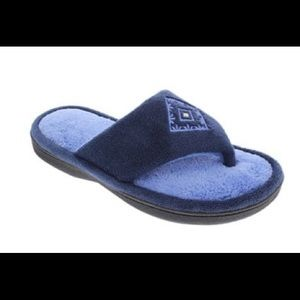 2/$20 🛍️ Isotoner Blue Embroidered Thong Slippers